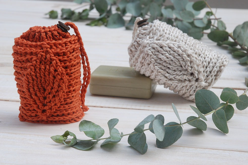 Free Crochet Pattern - Crochet Leaf Soap Saver Pattern by Moara Crochet