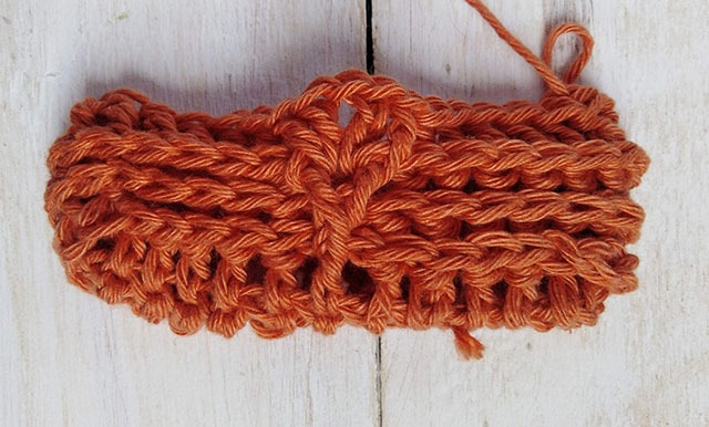 Free Crochet Pattern Leaf Soap Saver - Row. 4