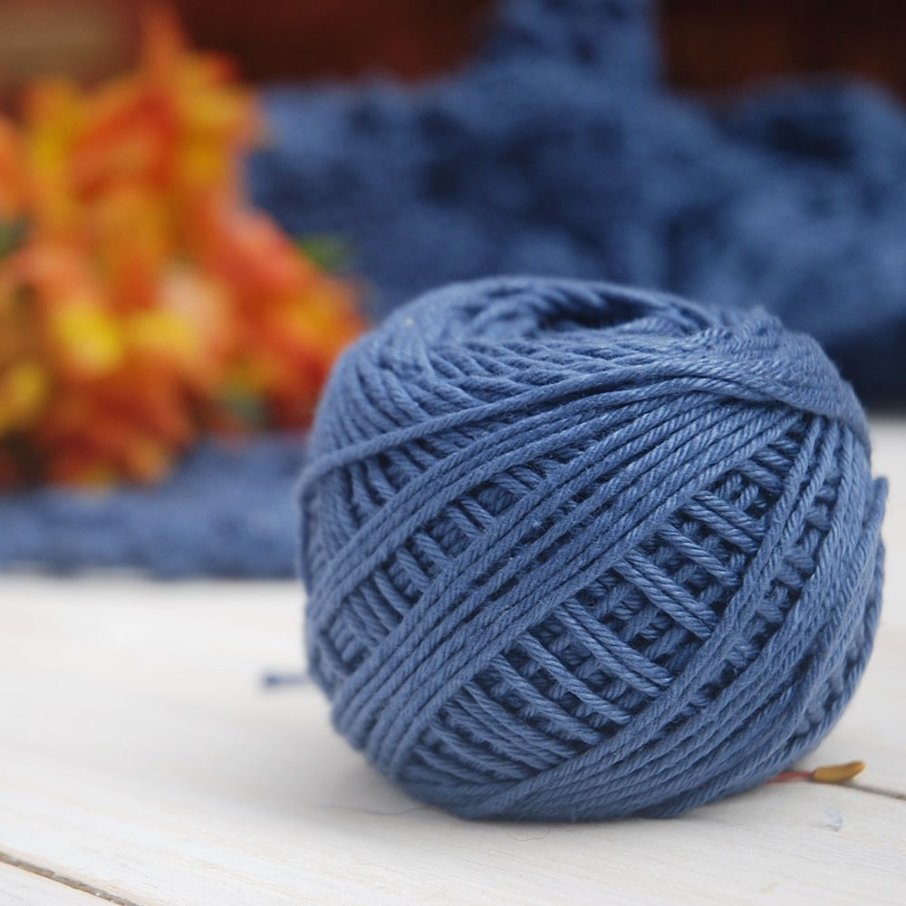 Crochet Conscious - DIY Sustainble Fashion wiith Moara Crochet