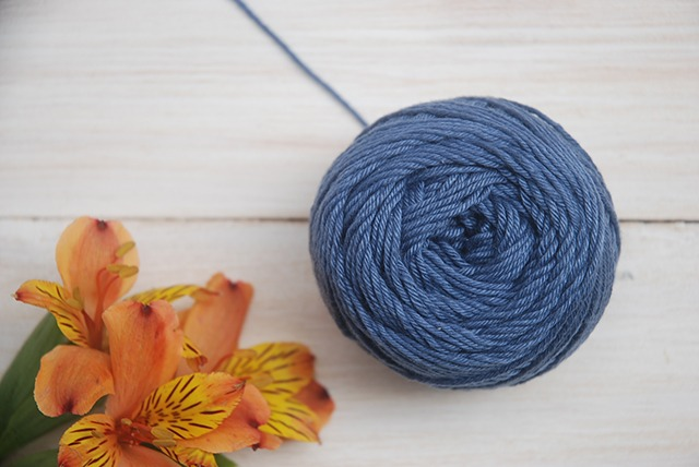 Centre pull yarn ball with Moara Crochet