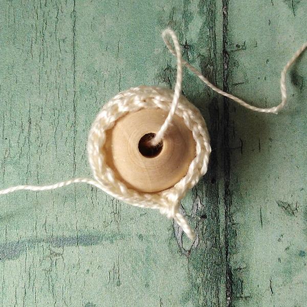 Row 8 Crochet Bead tutorial Moara Crochet