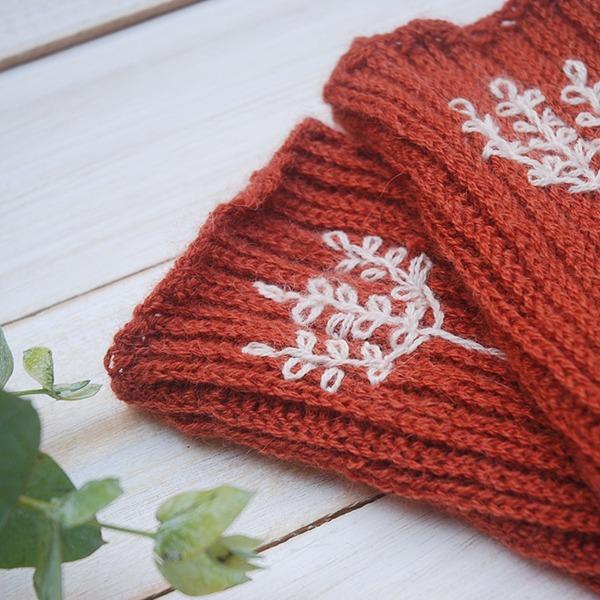 Embroidery on Crochet - Moara Crochet