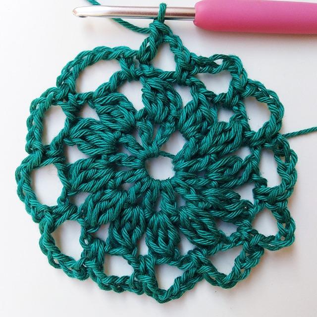 Crochet Pincushion - Row 3- Moara Crochet