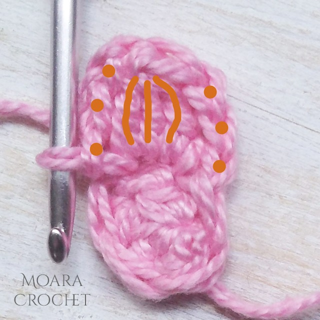 Flower - Row 2 - Moara Crochet