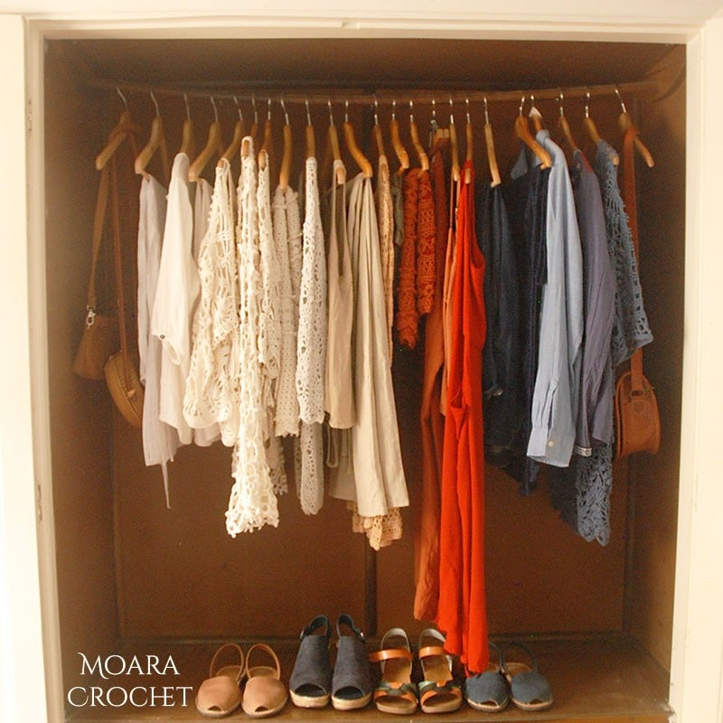 Moara Crochet - Minimalist Wardrobe List Spring