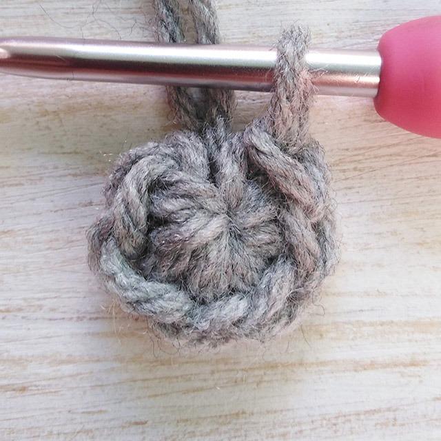 Free crochet stocking pattern row 1 - Moara Crochet